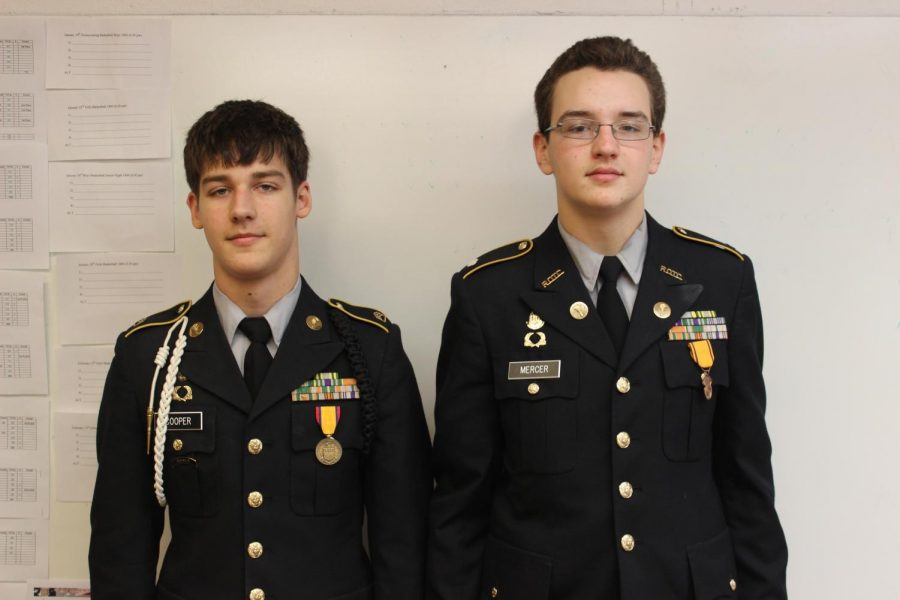 Members+of+JROTC+are+promoted+to+their+new+ranks