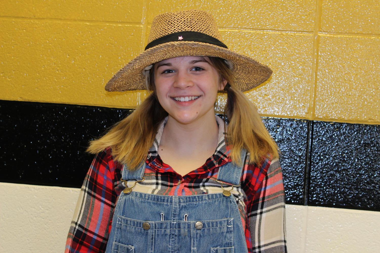 Anne White rockin' a stylish hat for Hat Day.