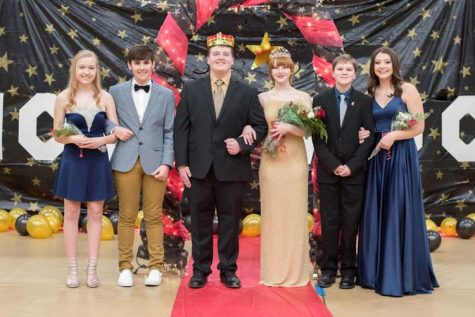 Sweetheart candidates from left to right Sophomore Mayce Seabaugh, sophomore Dalton Mueller, junior Daniel Bathe, junior Lidia Myers, freshman Devon Souden, freshman Reagan Asher
