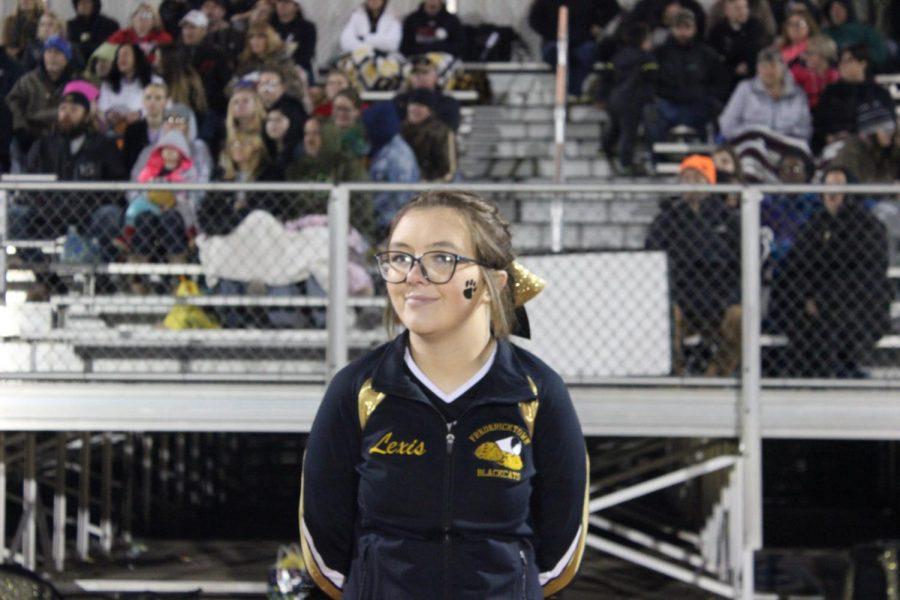 Cheerleader, Lexis Mils (10)